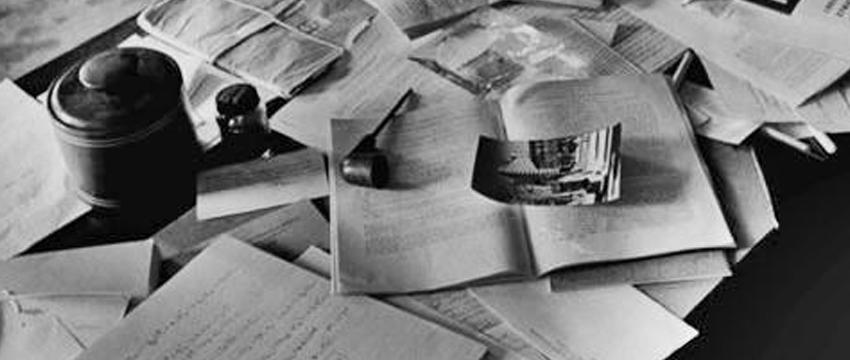 Desordem e Criatividade  – Mesa de trabalho bagunçada ajuda a ter mais ideias